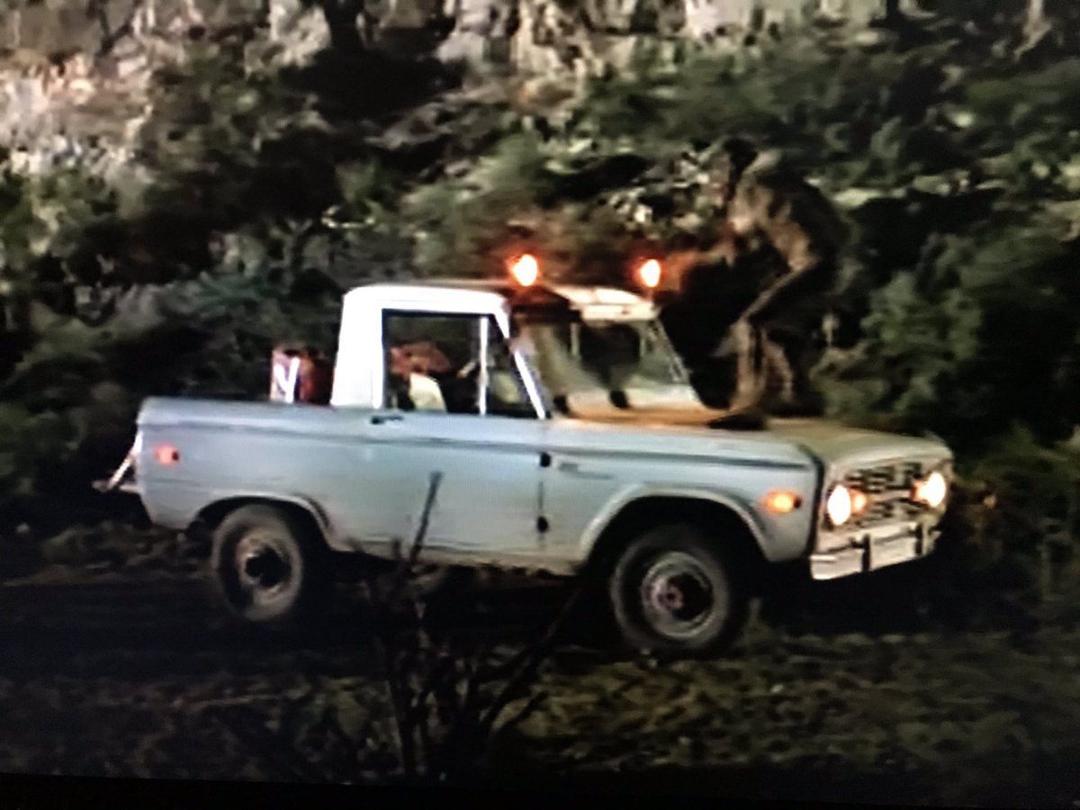 I want that modified Bronco, does it come with a gargoyle hood ornament? #svengoolie <br>http://pic.twitter.com/ELxs6i2v7r