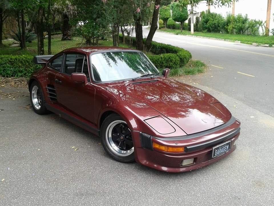 A Very Special one: Porsche 930 Turbo slant nose ( Garagem do Bellote TV Brasil ) <br>http://pic.twitter.com/GmfBrwpFYX