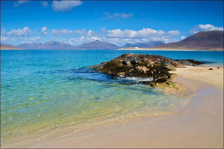 Gorgeous Horgaborst Beach, Isle of Harris, Scotland! 💙🏴
