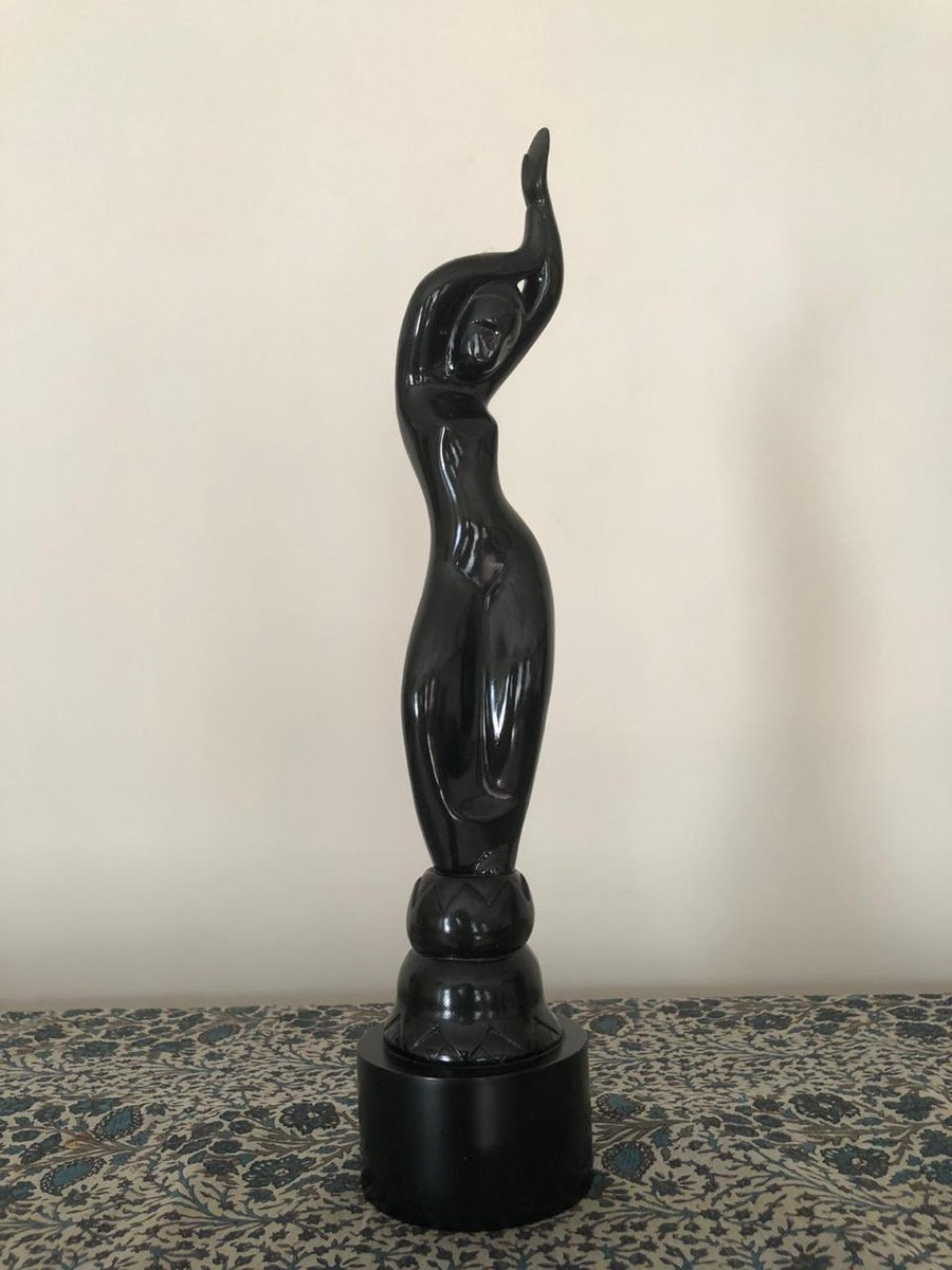 Director Avinash Arun, puts up his Filmfare award which he won for the movie Killa to bid for this donate to - milaap.org/fundraisers/su… Send screenshots to - contact@kunalkamra.in