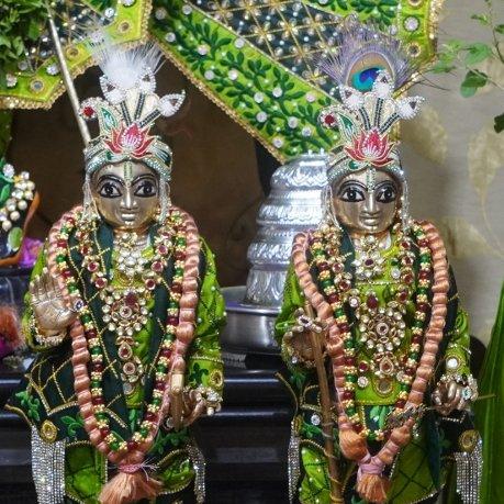 Darshan on 24th May 2020 #ISKCON #Mysuru #DailyDarshan #EarlyMorning #Krishna #24May #temples #worship #Blessings #BestofTheDay   #LordKrishnaLovers #deitydarshanpic.twitter.com/qEES5tGxHs