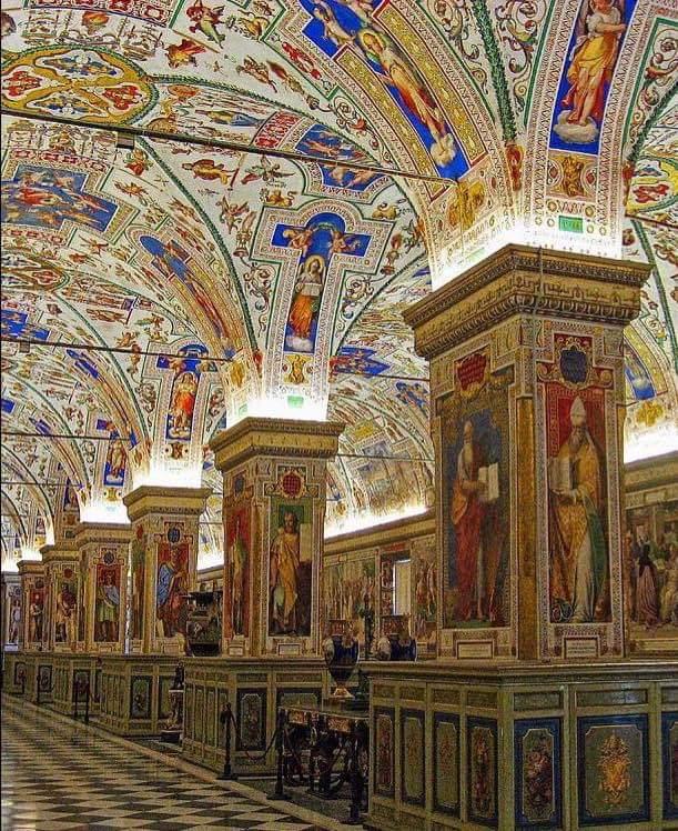 Vatican Museum Library #Vatican #travel #adestinationpic.twitter.com/58GfEYqWRM