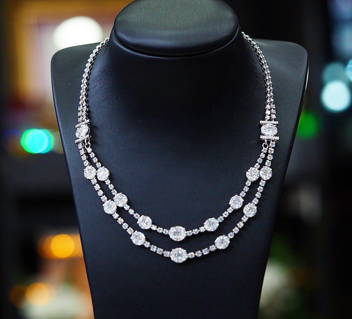 Diamond necklaces illusion . #diamonds #diamondnecklaces#weddingnecklaces #luxuryjewelry #highjewelry #finejewelry #Petchchompoojewelry #เพชรชมพูจิวเวลรี่ #fashionjewelry #weddingring  #weddingband #chanellover #hermeslover #lvlover #hermesthailand #chanelthailand #lvthailandpic.twitter.com/U3bX2UtLVu