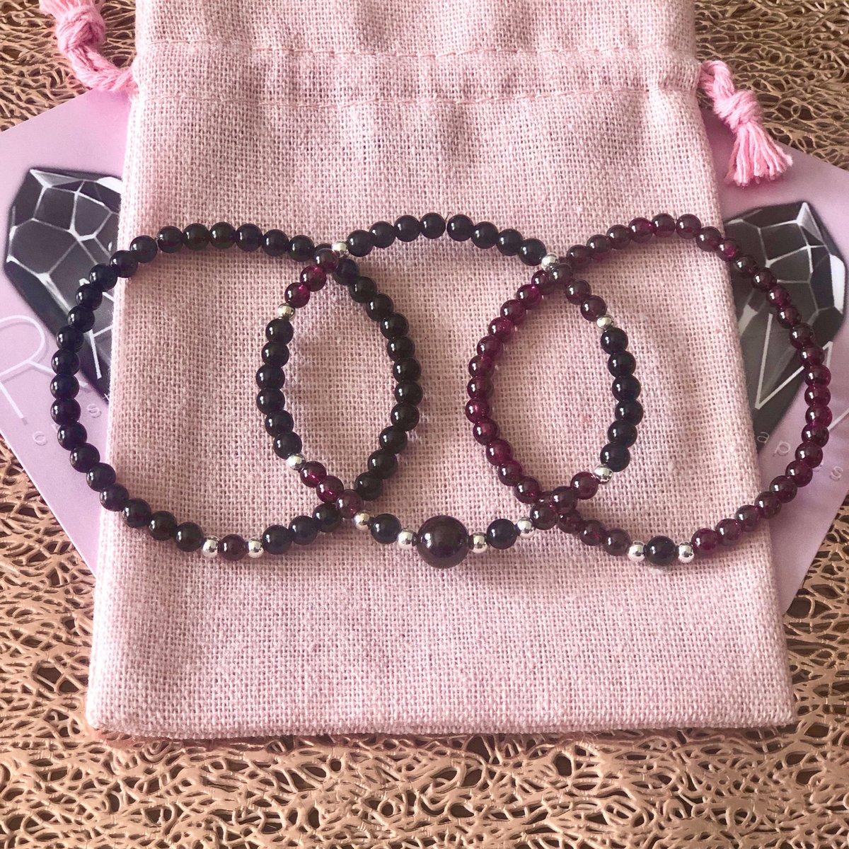 Garnet & Onyx skinny stackers. Sold as a set #crystals #gemstones #semipreciouspic.twitter.com/6oGJQFkqmf