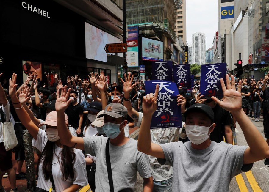 #HongKong 's gate is breached. Our autonomy guaranteed by the Sino-British Joint Declaration and #1C2S has been bombarded by #Beijing. This might be the finale of #HK but #Hongkongers shall not give in! #StandinWithHongKong #YouCantStopUspic.twitter.com/V4h14i605s