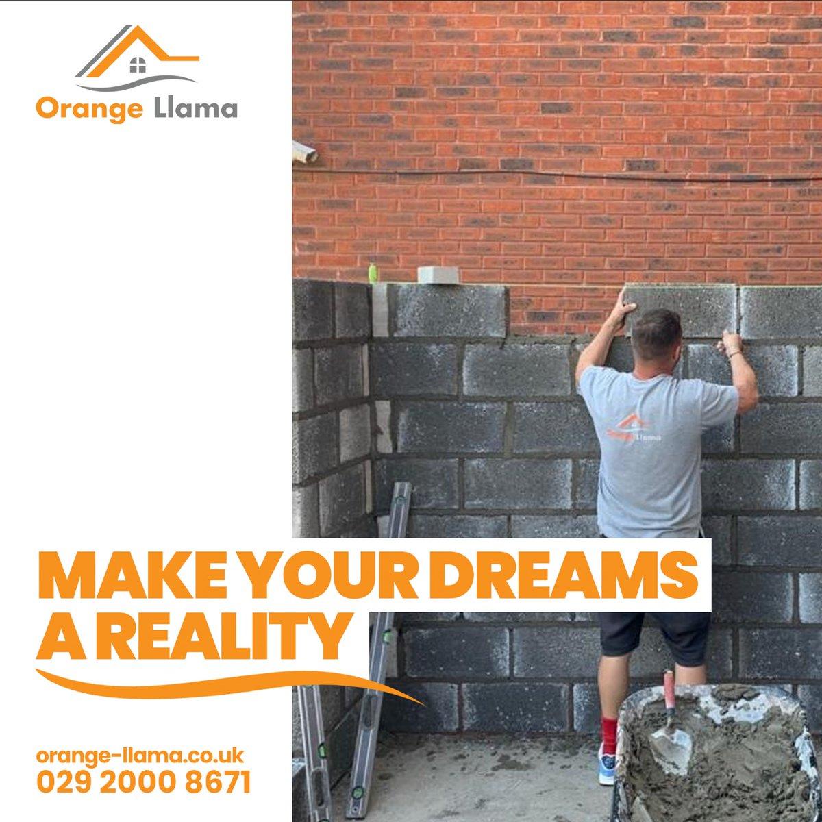 "Afternoon everyone    #HappySunday   ""Make your dreams a reality"" #Orange #Llamapic.twitter.com/vmgKsHCcTo"