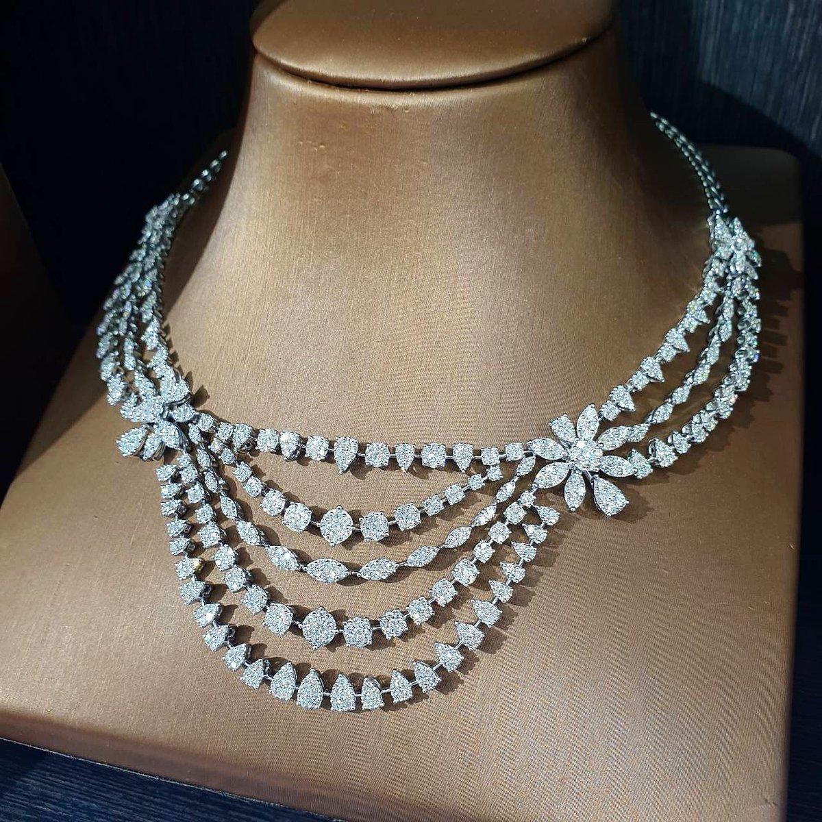 Diamond Necklace D coler  #diamondbracelet  #luxuryjewelry #finejewelry #Petchchompoojewelry #เพชร #เพชรแท้ #เพชรชมพูจิวเวลรี่ #สร้อยคอเพชรระย้า #สร้อยคอเพชร #diamonds #diamondnecklacespic.twitter.com/stWuZszdvZ