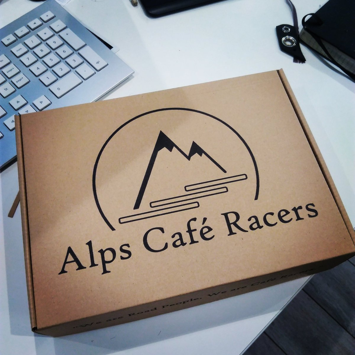 Sneak Peek at #alpscaferacer packaging for our #CafeRacerMini #customparts.   #petrolhead #carlifestyle  #vintagecars  #oldtimer #mini #minicooper  #britishcars #classicmini #austinmini #vintage #builtnotboughtpic.twitter.com/0UpusnB4Nk