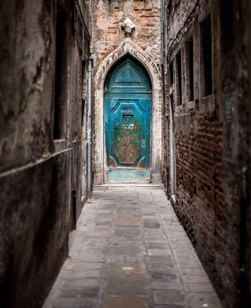 Quiet Backstreets of Venice #photography #Venezia #Venice #italy #italia #Venisepic.twitter.com/hEpxWmeRKY