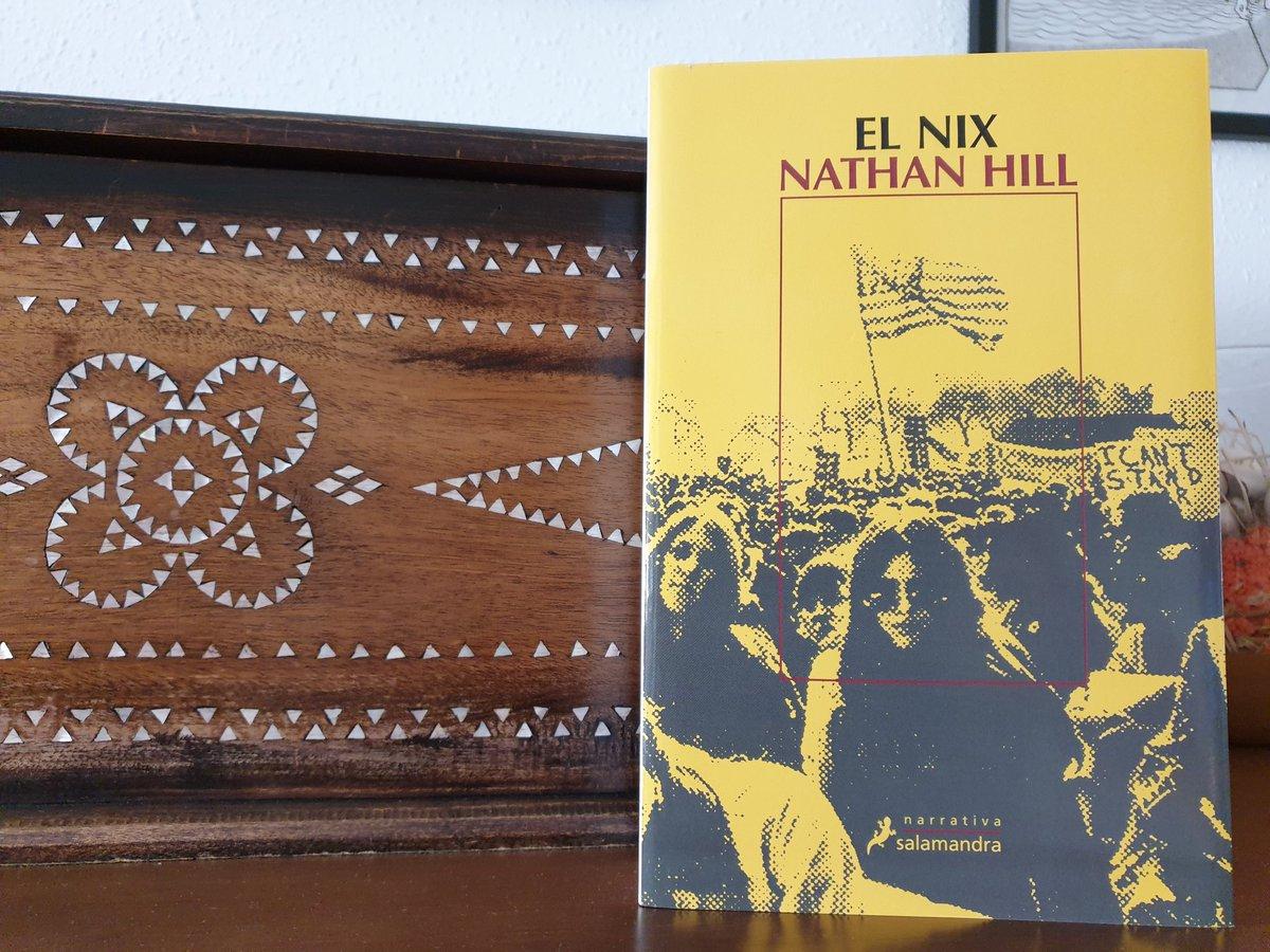 Le llegó el turno a El Nix de Nathan Hill, uno de los grandes éxitos de la narrativa norteamericana hace un par de años.Estas novelas-ríos suelo leerlas en verano, me anticipo! #VivoLeyendo #LeoLuegoExisto #ConfinamientoLector #LeoyComparto #MasLibrosMasLibres #KeepReadingEnCasapic.twitter.com/zAlM3Lv3n8