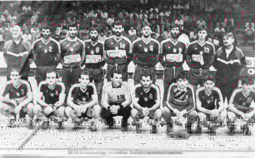Da li ste znali da su na Olimpijskim igrama u Los Anđelesu 1984. godine obe naše rukometne reprezentacije osvojile zlatne medalje? 🇷🇸🥇🤾🏻♂️ #TeamSerbia #OlimpijskiMuzej #OlimpijskiVremeplov https://t.co/LR8sNDj0EN