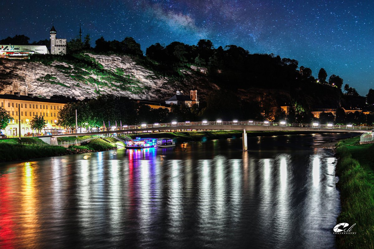 #Salzburg at night #Austria #NaturePhotography  https://www.instagram.com/p/CAjE9cdB6_Y/?igshid=wxuz10dkrwxb…pic.twitter.com/0gEX1SPiUt