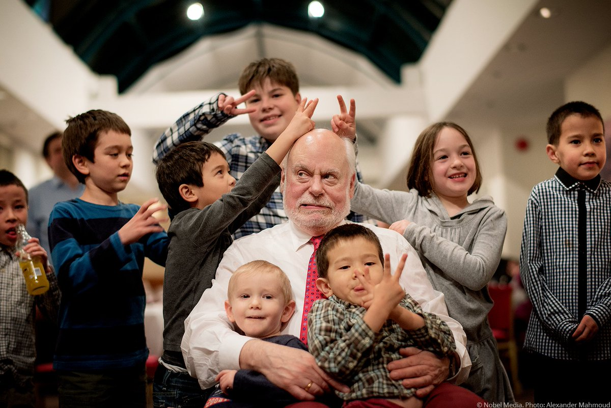 """You've got to break the rules.""  Happy birthday to Fraser Stoddart, @sirfrasersays, here celebrating his #NobelPrize with his grandchildren and friends' children.  Stoddart was awarded the prize for designing tiny molecular machines. Read more: https://t.co/hhkXTks2EK https://t.co/dBkpCdu876"