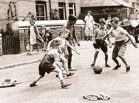 Jumpers for Goalposts  #Streets #Kids #Football #Grassrootspic.twitter.com/iCopNavQP9