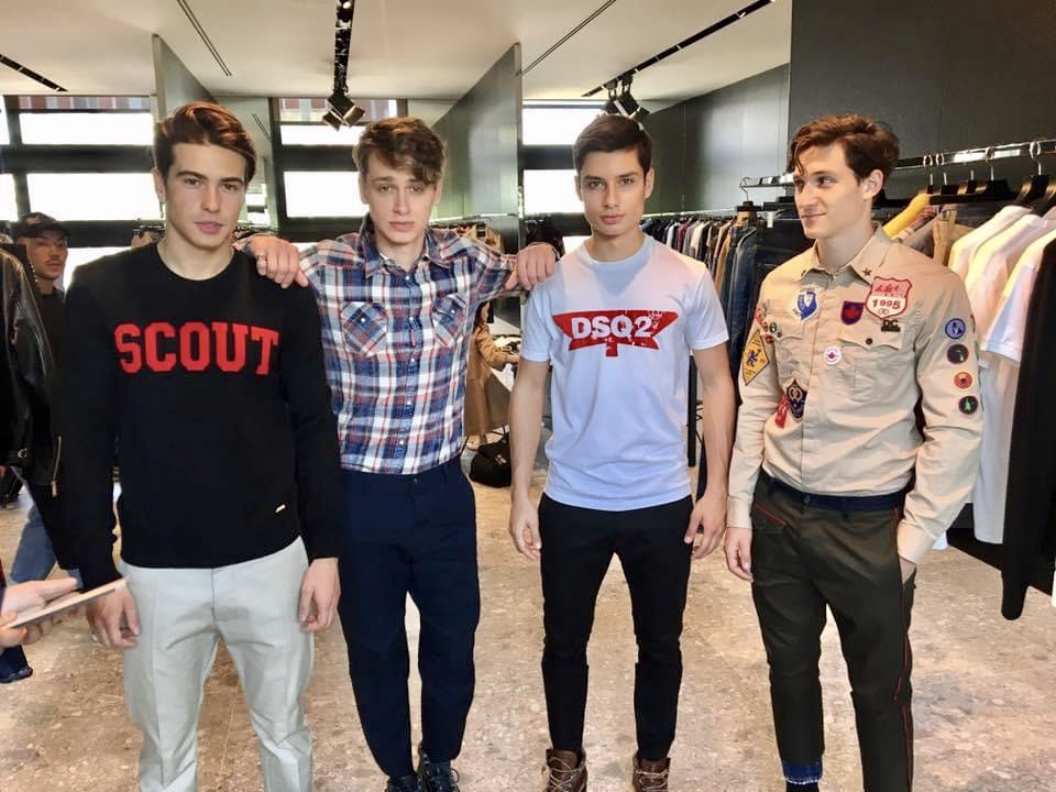 working at DSQUARED2 in Milano  #dsquared2 #malemodels #milanopic.twitter.com/zTG4LTxnhh