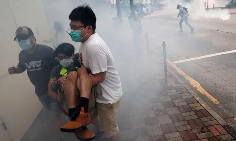 Today HongKong 24/5/2020 Causeway Bay Hong Kong police fired tear gas and pepper spray to disperse thousands protesting on Sunday against Beijing's plan to directly impose national security laws on the city.    今日香港24/5/2020 下午銅鑼灣 #五大訴求缺一不可 #HongKong #天滅中共pic.twitter.com/Q43sEHfjuI