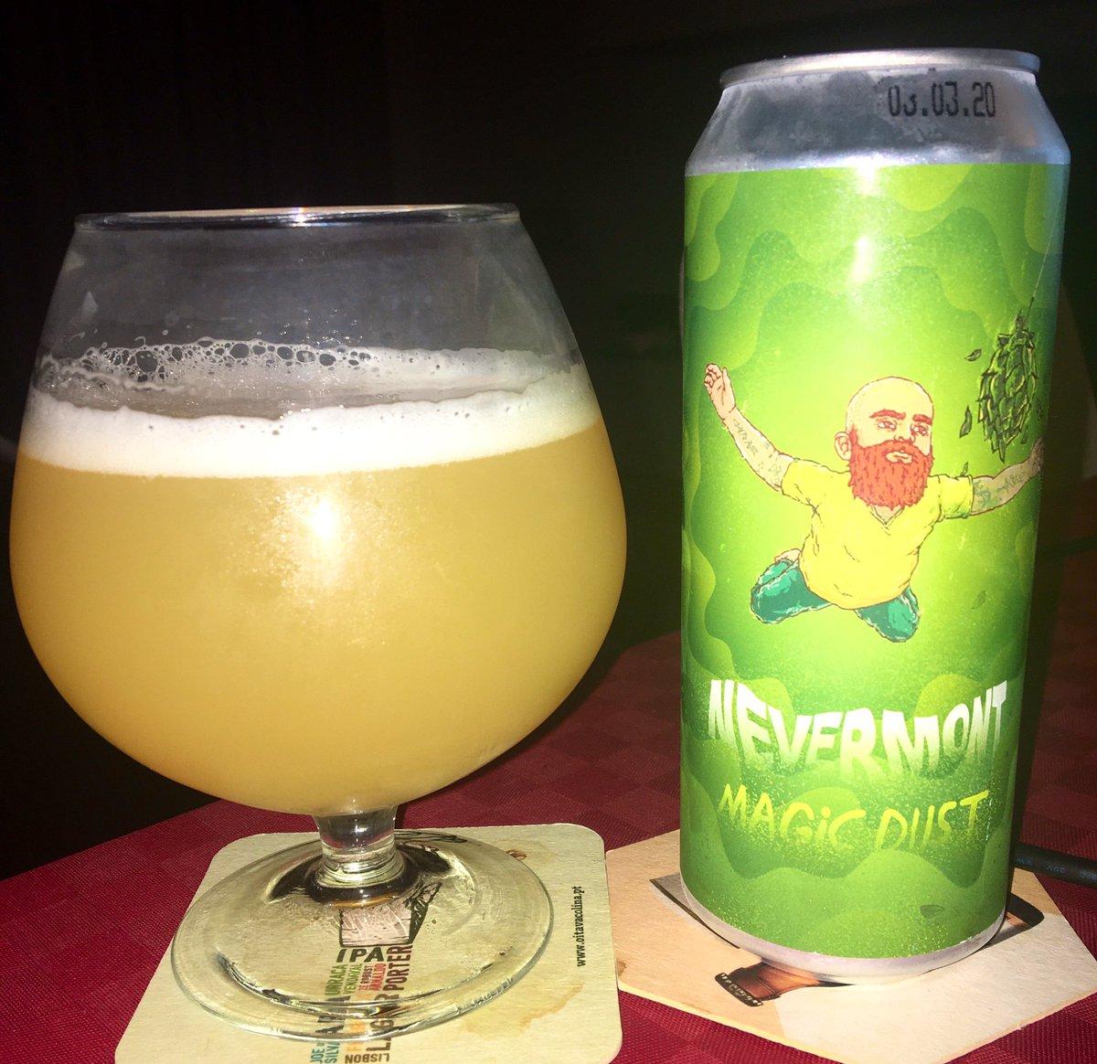 Nevermont Magic Dust Stamm Brewing (Rússia ) New England IPA; 7% ABV; 50 IBU #CraftBeer #cervejaartesanal pic.twitter.com/JoCRVR7KTe
