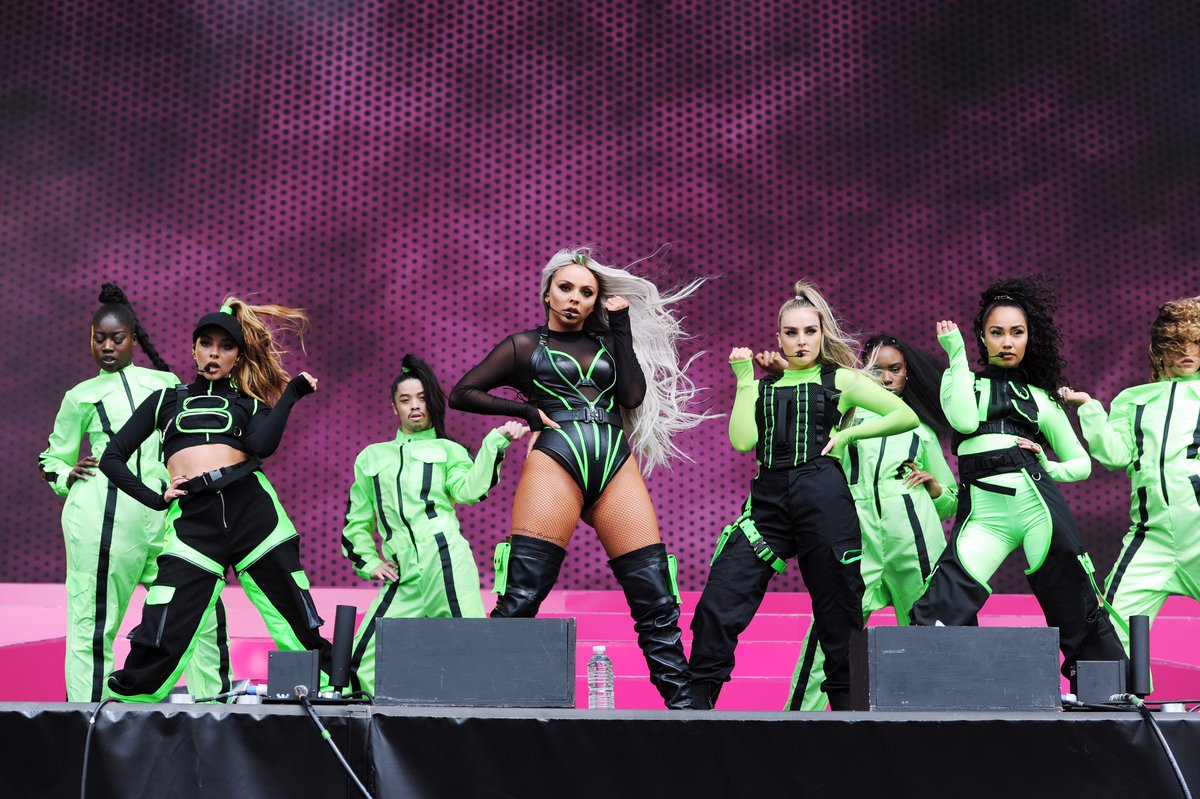 i.c.o.n.i.c. 💅  @LittleMix's #BigWeekend set from 2019 is the only thing you need right now.  @bbcsounds 🎧 https://t.co/mSCcYZuVQD @bbciplayer 👀 https://t.co/m6k6nE5Yn1 https://t.co/aSWiEGLbho