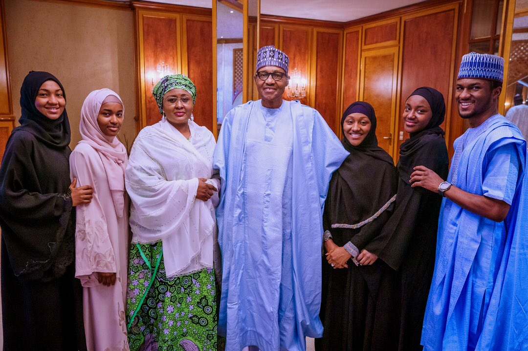 Photos of Buhari celebrates Eid Mubarak with his family emerge