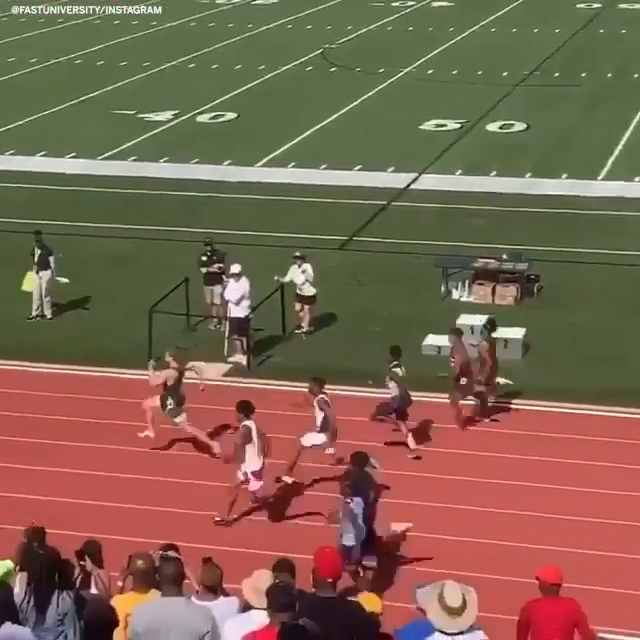 HE RAN THE FASTEST HS 100M DASH EVER AT 9.98 SECONDS 😳😳😳 (via @fastuniversity_)