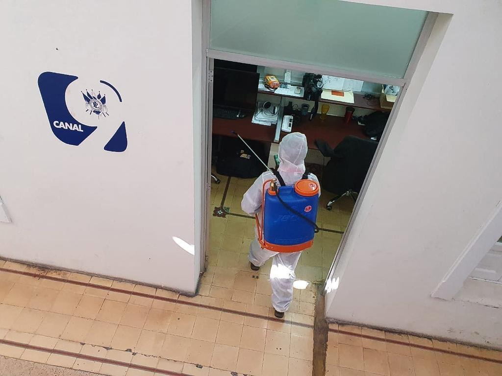 test Twitter Media - El Congreso continuó este fin de semana con la sanitización del Palacio Legislativo y oficinas anexas, debido a los aumentos de casos COVID-19. https://t.co/5oYVdGqAtT