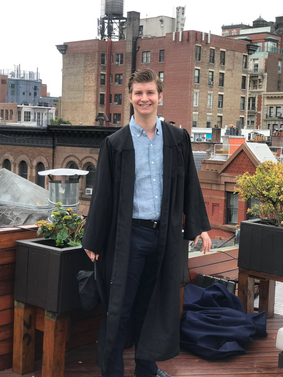 """In high school, my dean, a @Vassar grad, told me to lower my expectations because of my Asperger's.  """"Kids like you don't go to schools like Vassar,"""" he told me.   Well, some personal news:   Today I graduated from Vassar with a BA in political science.pic.twitter.com/C2lhbtKCQP"""