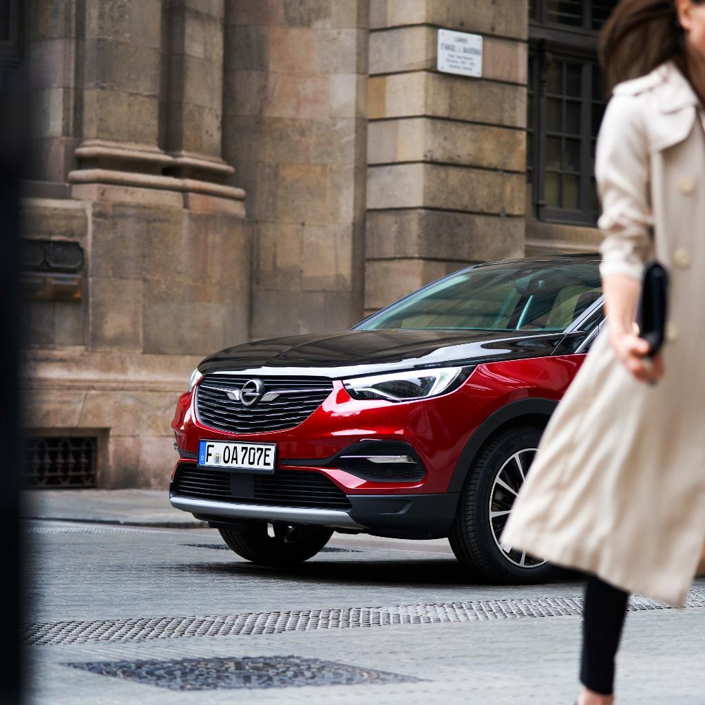 Gde god da se pojavite sa svojim #Grandland X, budite sigurni da ćete ostaviti utisak. #Opel #OpelSrbija #OpelGrandland https://t.co/NY9ALiddlh