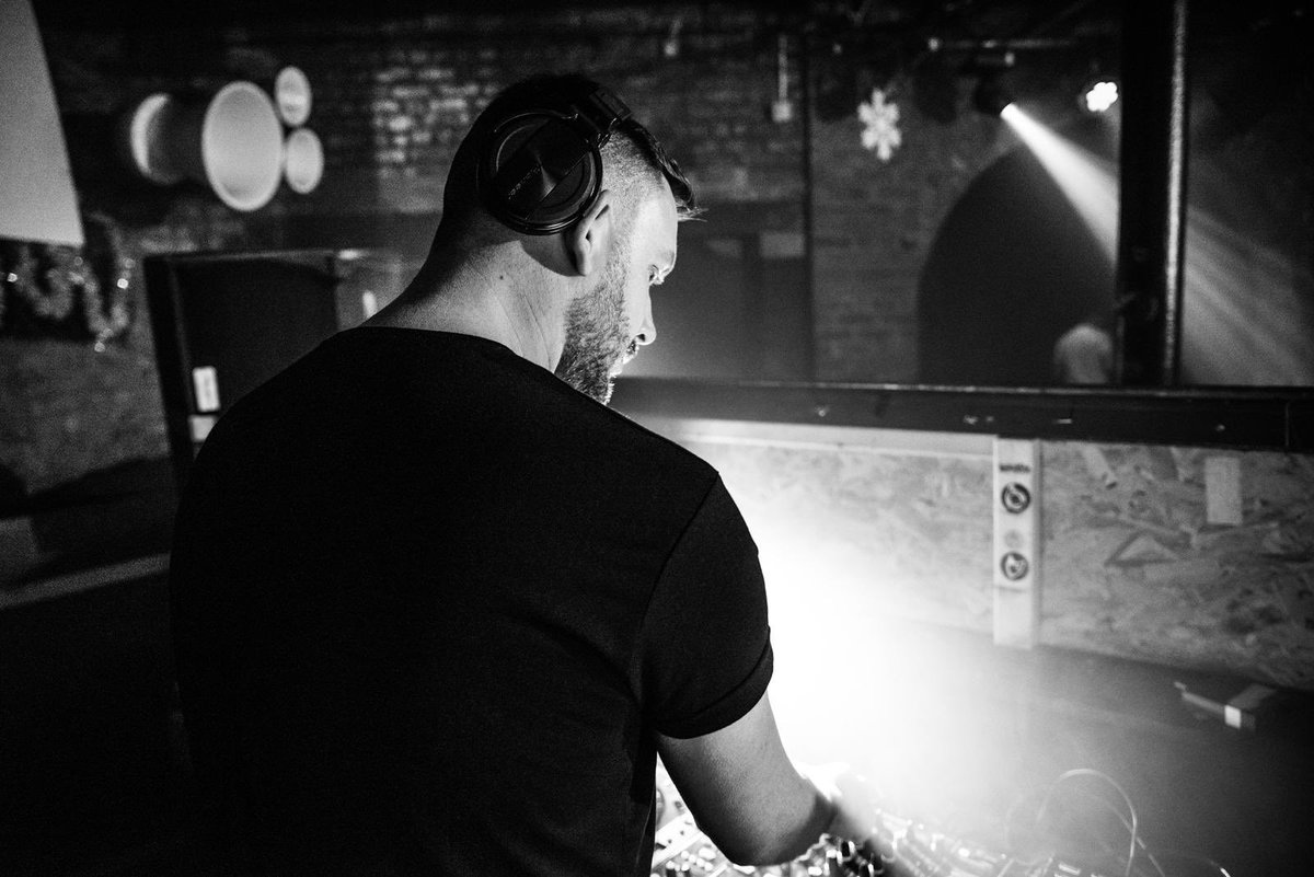 Part 2of our revisit comes in the form of deep dark #techno Dj Mark Morris @mark_moz1984 when he dropped us this stomper   #technomusic   https://m.soundcloud.com/theonepromotions/mark-morris-the-one-promotional-mix-deep-techno…pic.twitter.com/NivqeR0IGt