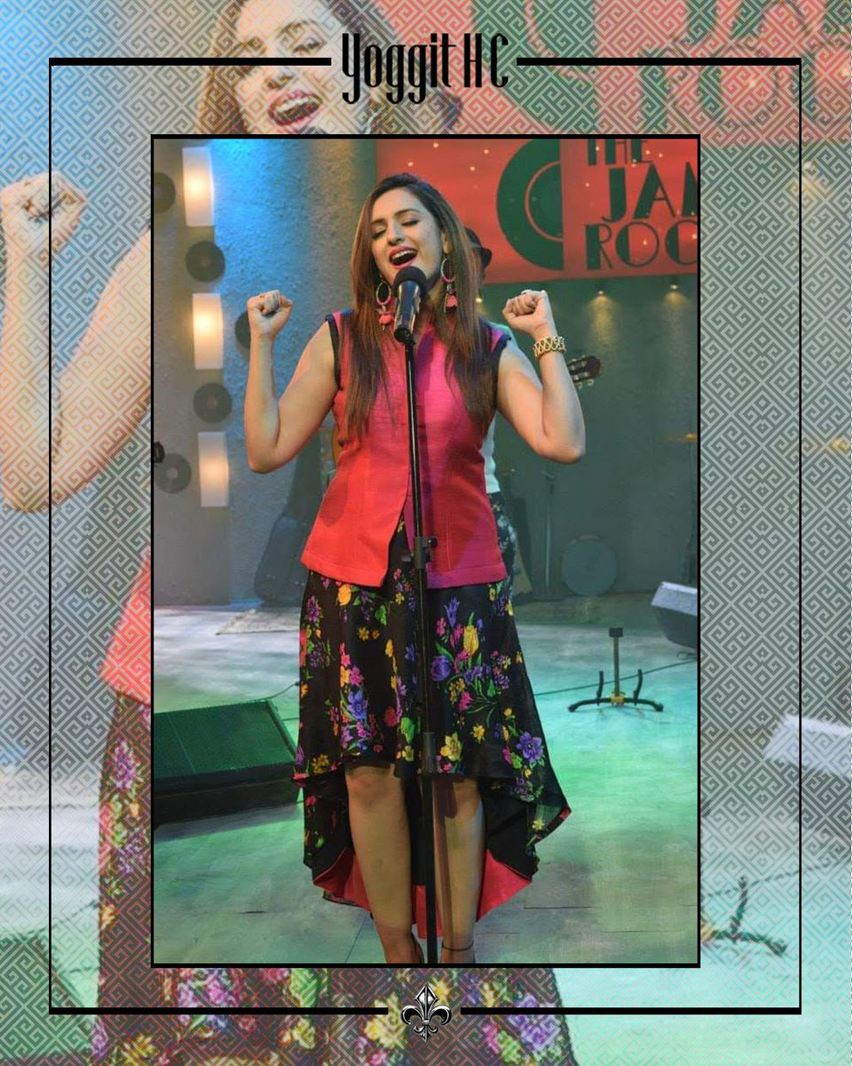 """Behind the scenes of this stunning, gorgeous and outstanding singer @akritikakar  Throwback to """"The Jam Room"""" 2015  @sonymixtv  Designed, styled & conceptualised by @yoggithc .  #throwback #bts #singer #playbacksinger #bollywoodsinger #stylist  #celebrity #celebritystylist pic.twitter.com/oSN0nJ9QLW"""
