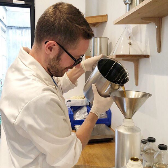 Maxence Moutte is the new young Nose of the house. Using Yuri's formulas, & methods, he brings his #fragrances to life, ensuring compliance & making us as eco friendly as possible! http://bit.ly/LJardinRetrouve  #perfume #handmade #niche #Paris #legacy #lejardinretrouve #familybusiness pic.twitter.com/2fE0uBSLJd
