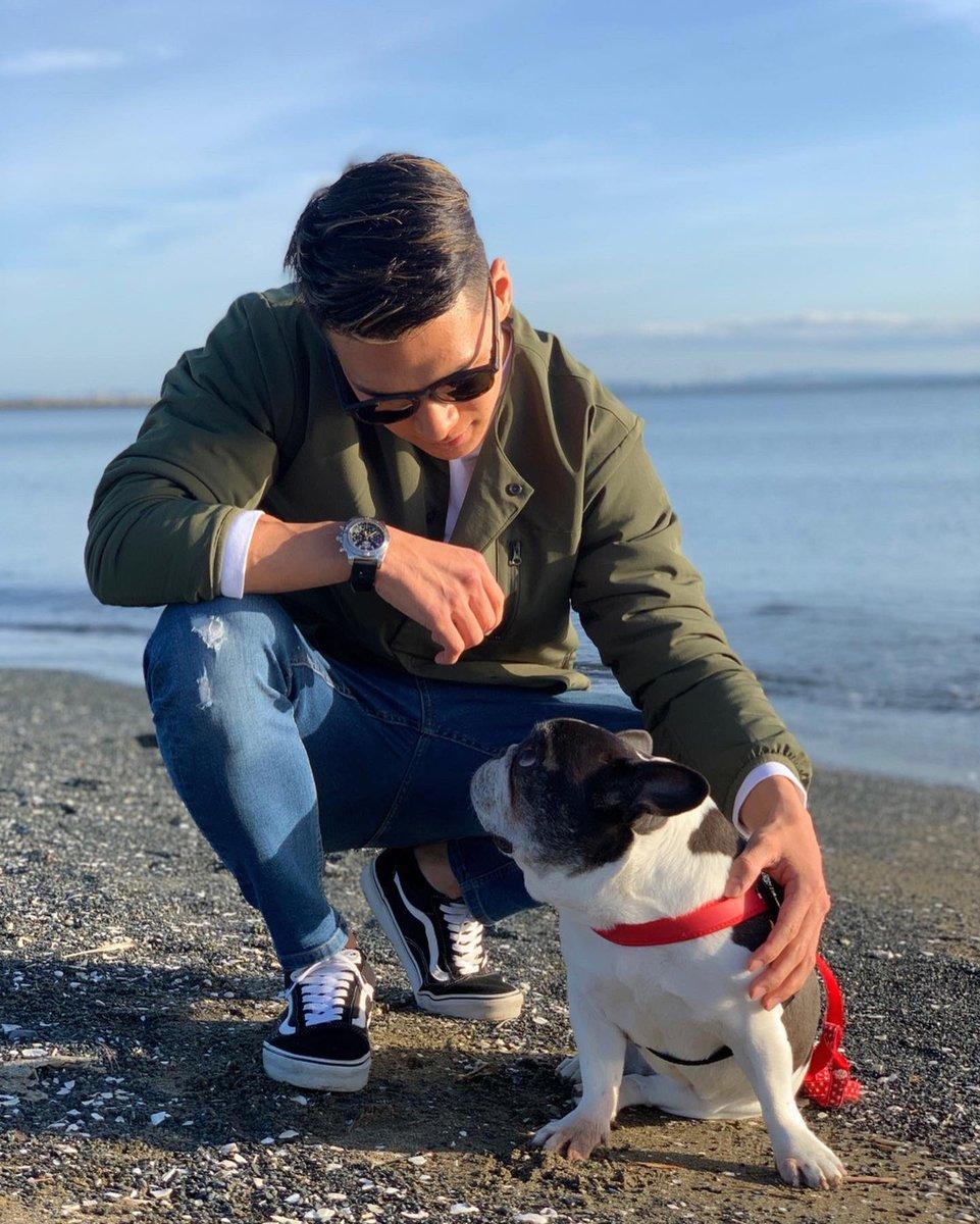 天気が良かったので、ゆっくり愛犬と散歩しました🚶🏻♂️☀️ Working around with my dogs 🚶🏻♂️☀️ #Breitling #SquadOnAMission #ブライトリング #フレンチブルドッグ
