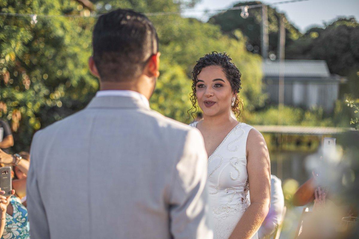 Eu prometo... . . . . . . #luzireis #luzireisproducoes #casamento #wedding #noivei #casamentonapraia #casamentonocampo #casamentoaoarlivre #casamentopénaareia #cerimonia #voucasar #quarentena #fiqueemcasa #love #weddingplanner #decoração #casar #fiqueinoiva #buquê #noivo #noivapic.twitter.com/qNAmFFts3H