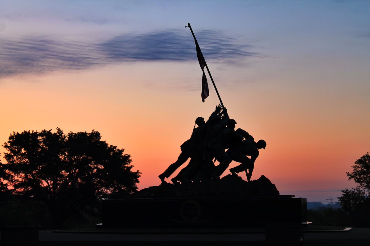 Today's  #sundayvibes for #memorialdayweekend2020. #sunrise at Iwo Jima. pic.twitter.com/uS5WHAoUTG