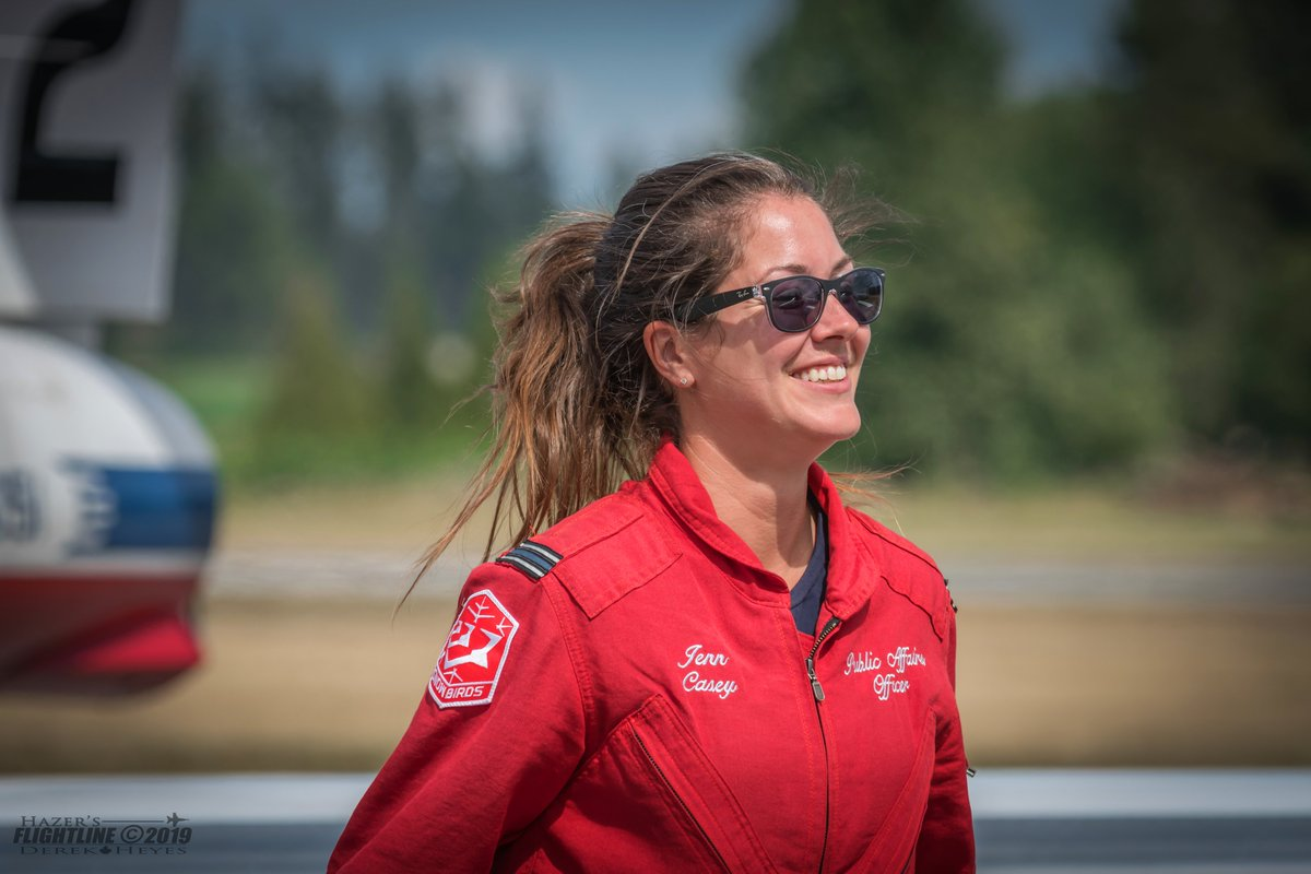 This morning, Capt Jennifer Casey lifted off from Abbotsford on a CC-130J Hercules on her final journey home to Halifax, following a private farewell ceremony with her Canadian Forces Snowbirds teammates. (1/3) https://t.co/NZmIB4kmfS