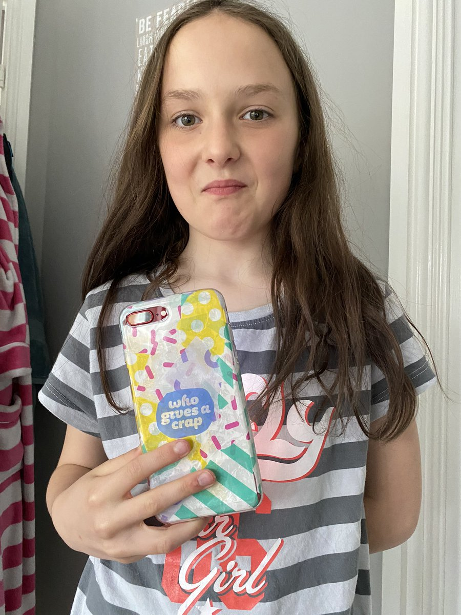 Tildes has just created herself a @WhoGivesACrapTP themed iPhone case! #crafting pic.twitter.com/O3F6Xglpp4