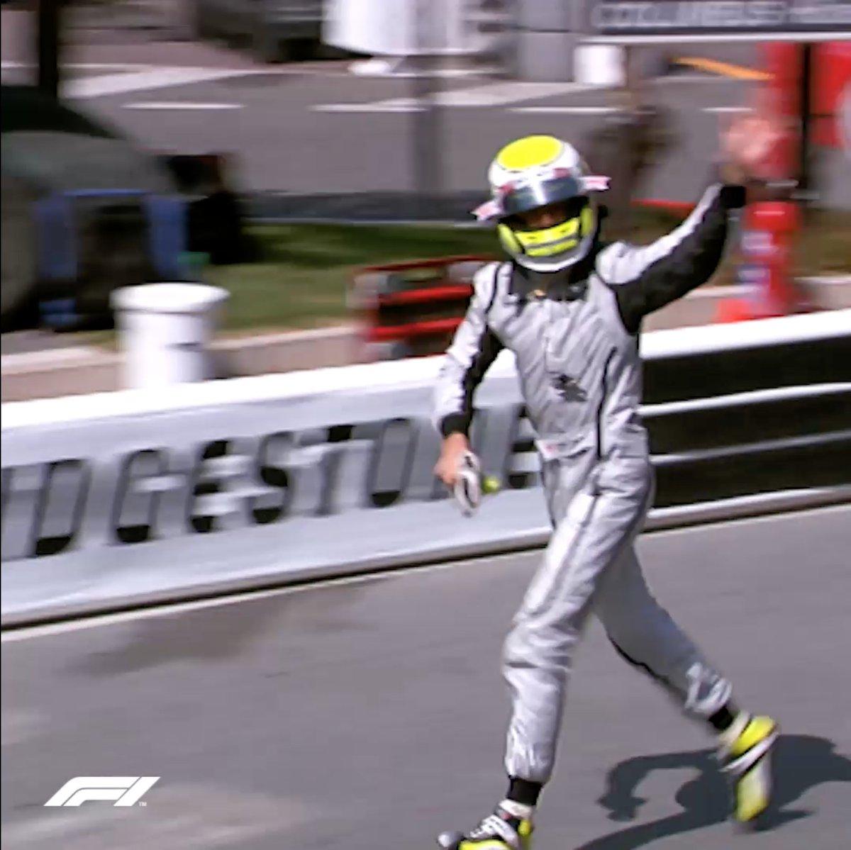 78¼ laps  @JensonButton 🏃♂️😀 #OnThisDay https://t.co/adj38mYimt
