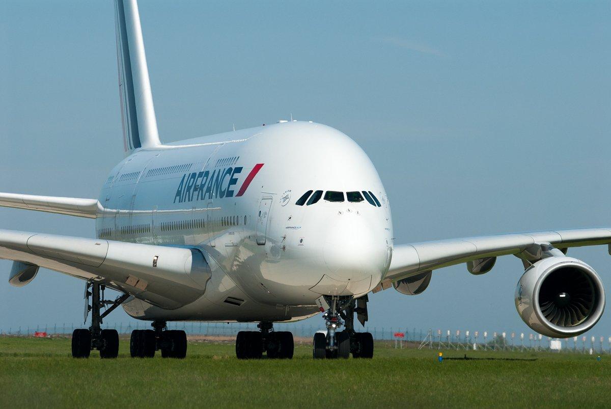 Le gros mérou qui va manquer sur CDG, l'ère des quadris touche à sa fin #Airbus #A380 #AirFrance #AvGeeks #Aviation #AviationPhotography #AviationLovers https://t.co/tPvGFGgE84