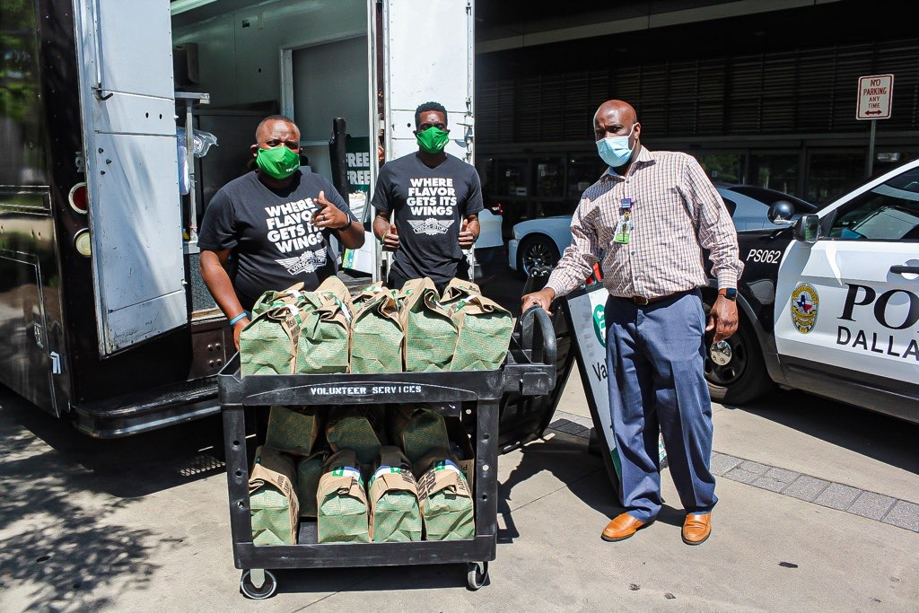 Thank you @DoorDash and @matrix31, @Wingstop once again delivered food to healthcare workers at Parkland Hospital last week! #OpenForDelivery https://t.co/zcbIaF5Bxe