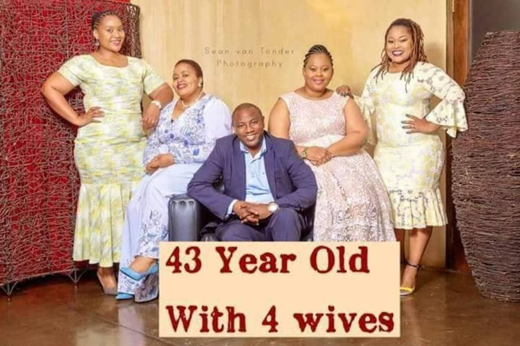 South Africa's celebrity polygamist Musa Mseleku breaks the internet with this lovely photo of himself and his 4 wives.  _  When asked how he sexually satisfies the 4 women, he said that he relies on prayers to achieve this monumental feat.  _  Let's hea… https://instagr.am/p/CAknakZFMd9/pic.twitter.com/GezS2U1RUQ