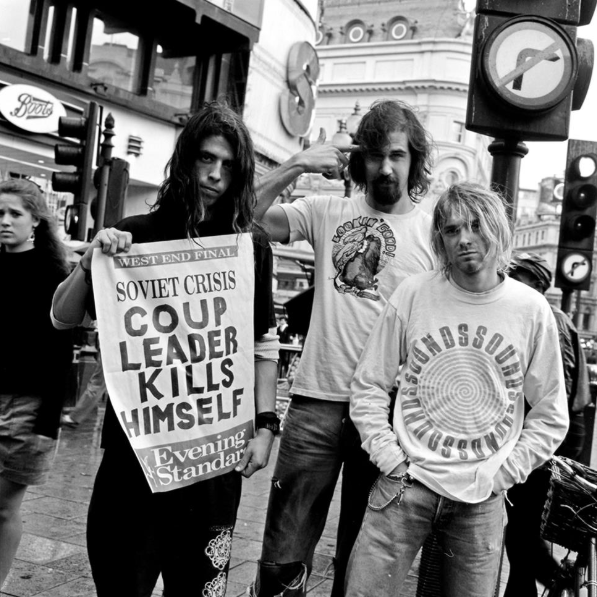 Nirvana at Piccadilly Circus, London, 1991.  Richard Bellia.pic.twitter.com/Zdf6kqy3Vw