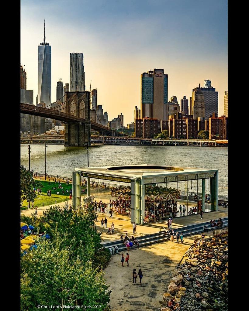Janes Carousel . . #brooklynbridgepark #brooklynbridge #brooklyn #janescarousel #city_captures #nycviews #nyc #newyork_feelings #best_new_york #topnewyorkphoto #newyorklike #newyork_originals #newyorkcityicons #nyc_instagram #made_in_ny #newyork_ig #what… https://instagr.am/p/CAkuZvXAbNX/pic.twitter.com/pPaO5x9vk2