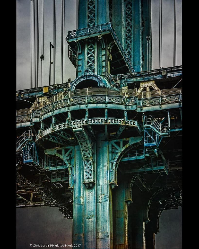 Manhattan Bridge . . #brooklyn #manhattanbridge #city_captures #nycviews #nyc #newyork_feelings #best_new_york #topnewyorkphoto #newyorklike #newyork_originals #newyorkcityicons #nyc_instagram #made_in_ny #newyork_ig #what_i_saw_in_nyc #nyc_primeshot #ne… https://instagr.am/p/CAkuqOTgv9E/pic.twitter.com/Re9nA2xV8k