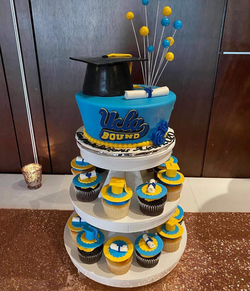 Shout out to the @exclusivecakeshop for this awesome #GraduationCake for @alexacyr #UCLABound 🙏 https://t.co/O6XizEAM4p