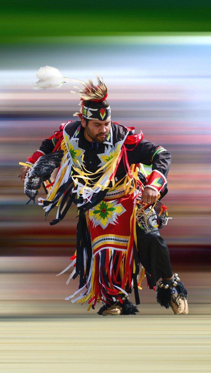 Some more photographs of when I went to a powwow a few years ago.  #colors #Canada #summer2020pic.twitter.com/VeeiuZOGIE