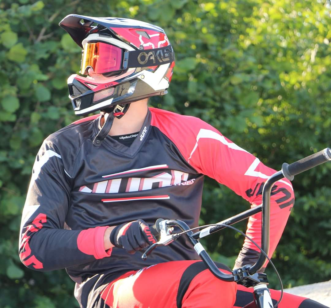 Jump Industries @Jump_industries ·  #Rider Jump industries#KillianLigue #BMX#  pic.twitter.com/G8MdbNdV2Q