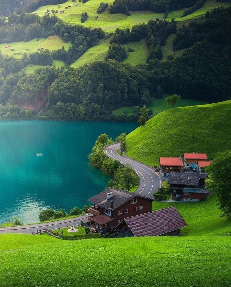 Switzerland . #Travel #Switzerland  #naturepic.twitter.com/vJgNOVcskx