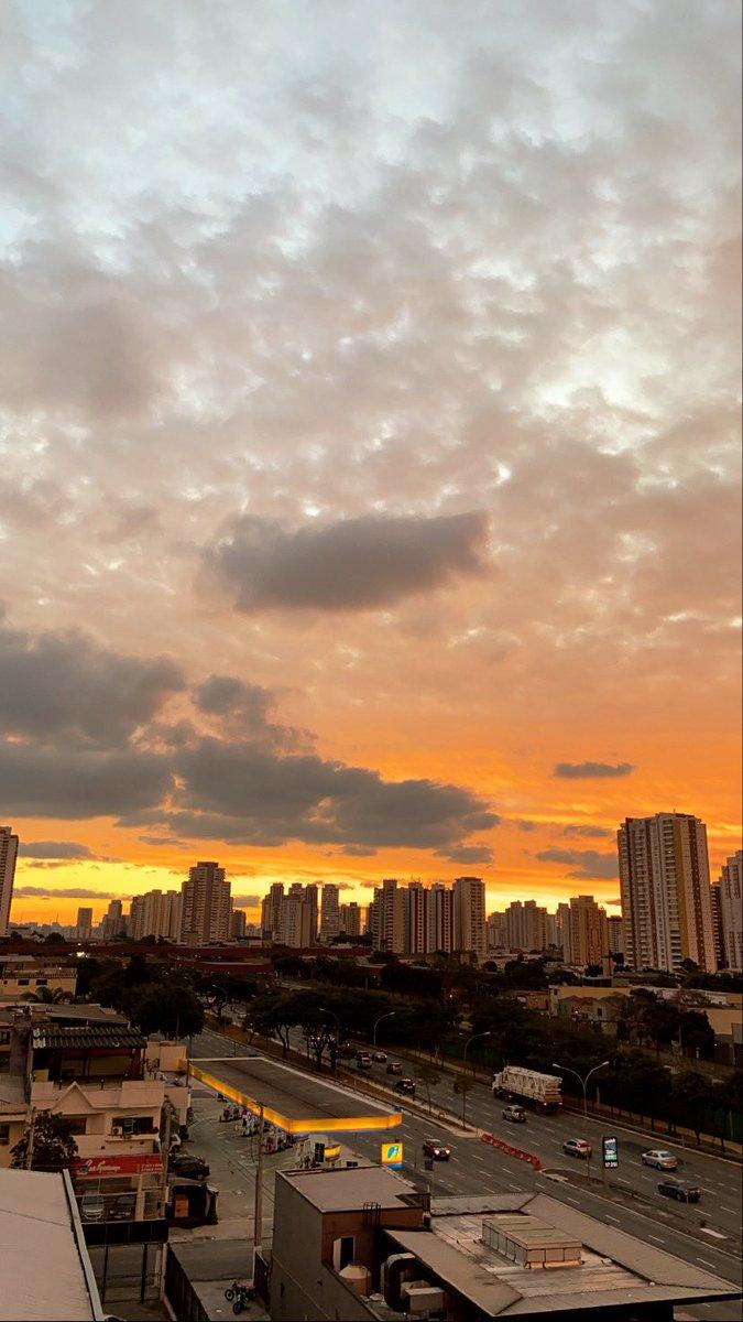 Mais um domingo indo... #Sampa #ZL #SaoPaulo #sunset #Sunday #Domingopic.twitter.com/ni7BNb9DDI