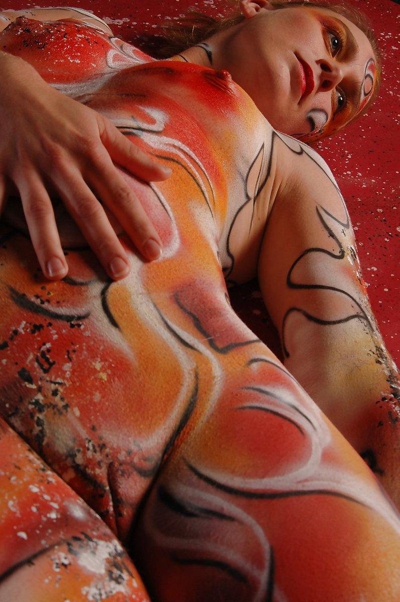 Hot Nude Girls Body Paint