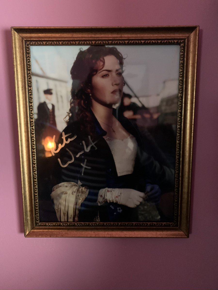 Autograph picture of Kate Winslet on my wall. #KateWinslet #Titanicpic.twitter.com/GNVeZ6fycr
