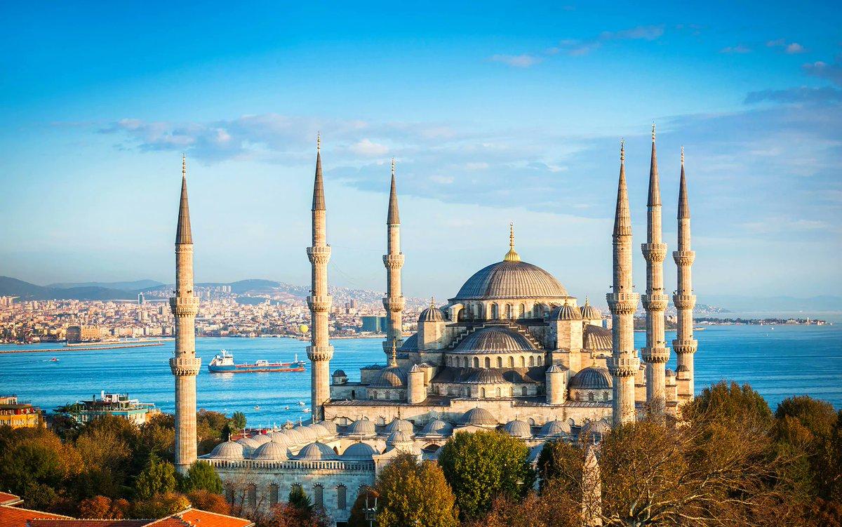 Istanbul, Türkiye  • The home of great buildings, nice food & crazy football  • #Travel #turkeypic.twitter.com/wpjRsGsgya